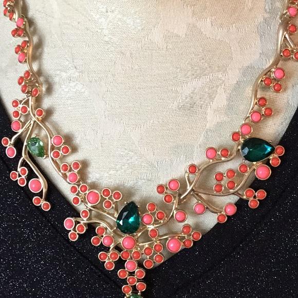 33e657bd8 Vintage Oscar De La Renta Spring Garden Necklace. M_5ad63ca72ab8c58737b5141a